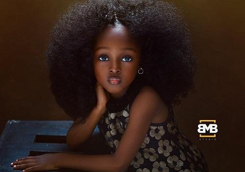 Menina de 5 anos da Nigéria é considerada a mais bonita do mundo