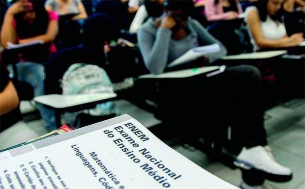 Professores e servidores podem ser inscrever para aplicar provas do Enem.