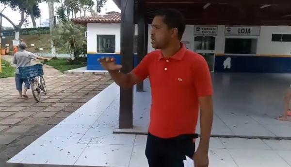 Superfaturamento: Vereador faz denuncia sobre crime e mostra situação dos banheiros do Lago Azul.